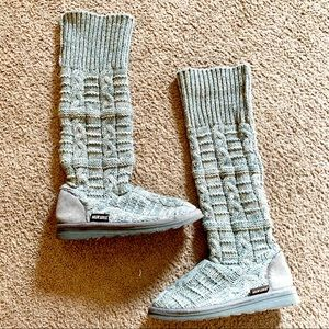 Excellent Gray Muk Luks sweater boots